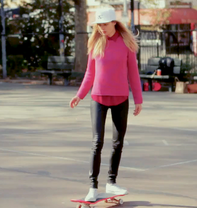10 pretty and powerful NYC girls learn how to skate1