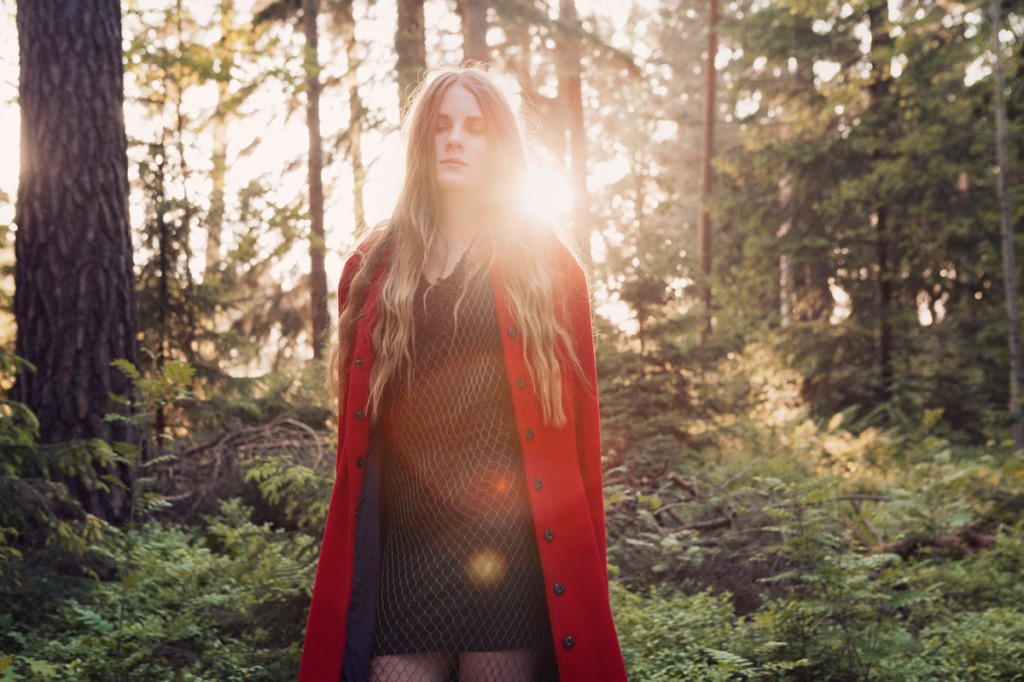 Return of the wolf by Saga Wendotte for CHASSEUR MAGAZINE