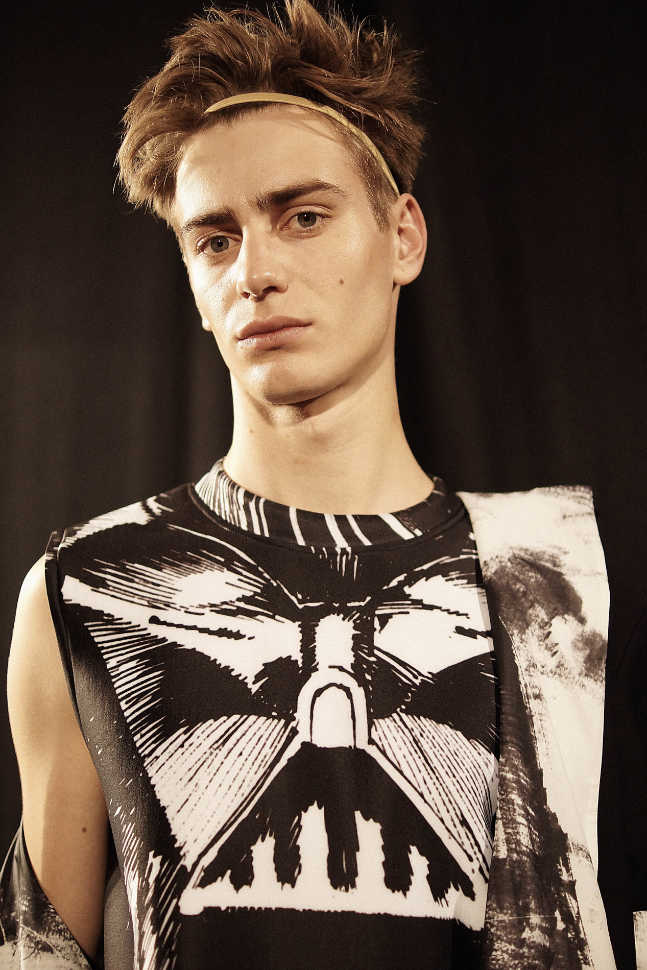 Xander Zhou 2015 Spring Summer London Collections © CHASSEUR MAGAZINE
