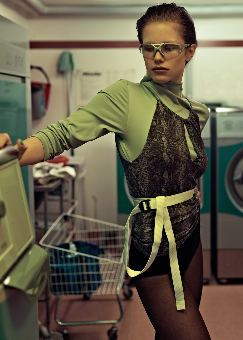 LAUNDRY DAY by Maja Johansson for CHASSEUR MAGAZINE (2)
