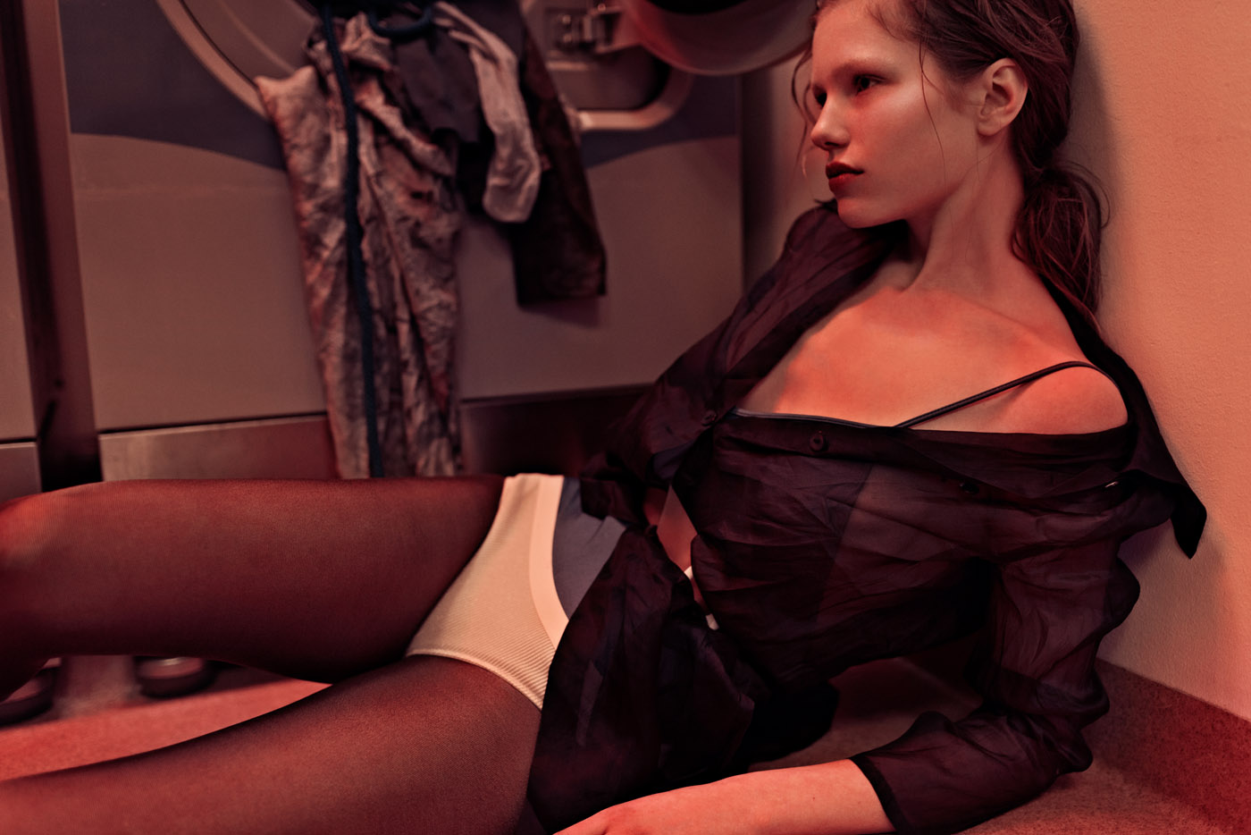 LAUNDRY DAY by Maja Johansson for CHASSEUR MAGAZINE (4)