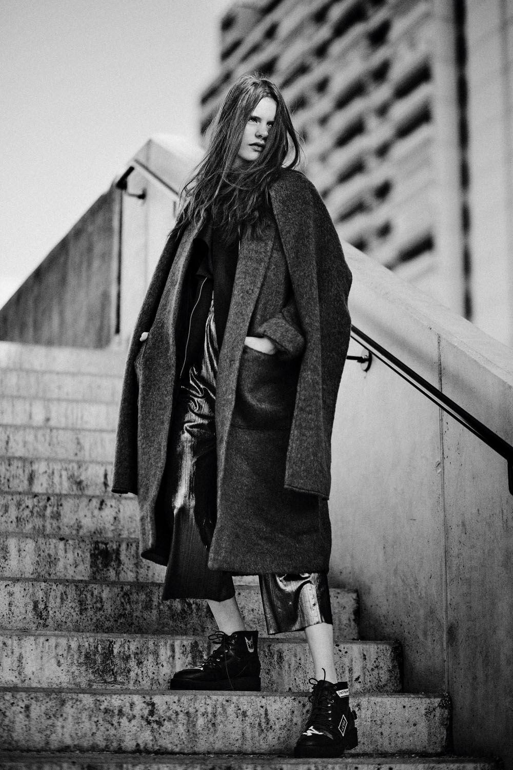 Monochrome moments by Veronika Bures for CHASSEUR MAGAZINE (4)